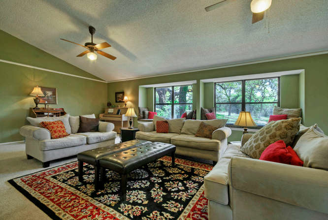 still-waters-retreat-center-9409-granada-austin-texas-felder-house-living-room