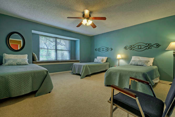 still-waters-retreat-center-9409-granada-austin-texas-felder-house-master-bedroom