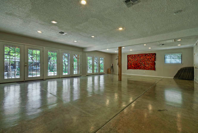 still-waters-retreat-center-9409-granada-austin-texas-fellowship-center-interior