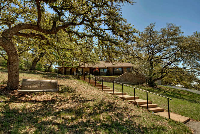 still-waters-retreat-center-9409-granada-austin-texas-steps-leading-to-the-felder-house